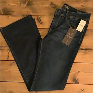 DL1961 High Rise Bootcut Jeans, NWT.